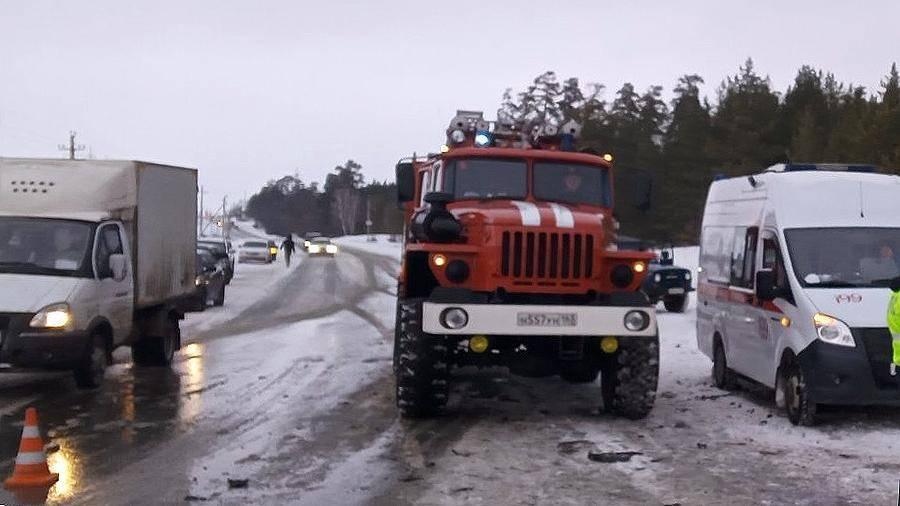 Семь человек погибли в аварии на трассе в Самарской области