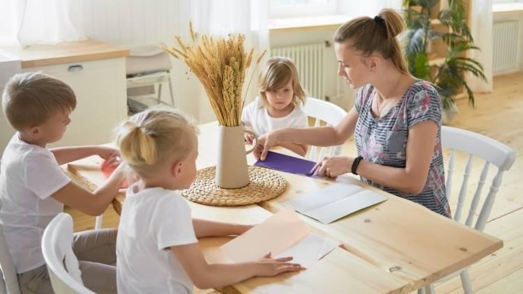 Многодетным семьям могут выдать субсидии на погашение кредита под строительство