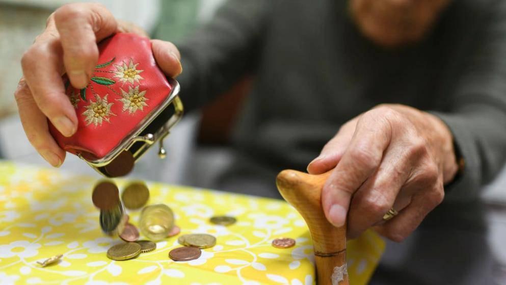Германия обсуждает повышение пенсий для бедных, потому что они умирают раньше