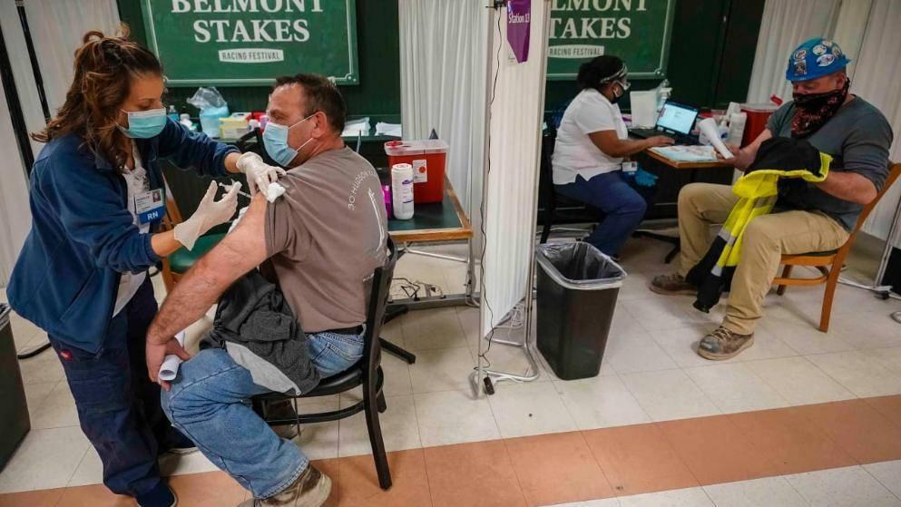 Деньги за вакцинацию: новый стимул для людей