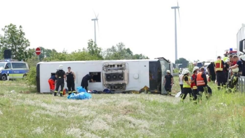 В Бранденбурге перевернулся туристический автобус: есть пострадавшие