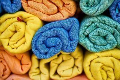 В Десногорске мужчина вскрыл торговый павильон и поживился текстилем на 2 000 рублей