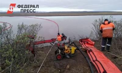 На месторождении в Томской области разлилась нефть
