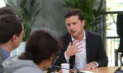 Зеленский дал большое интервью украинским телеканалам – его покажут вечером