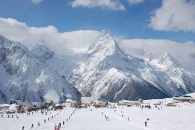 Домбай вошел в топ-5 популярных горнолыжных курортов