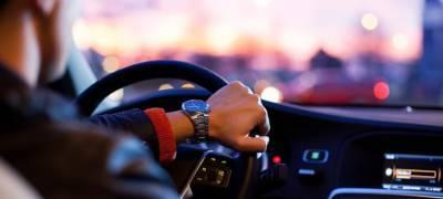 Пьяный водитель на машине без колеса устроил гонки с полицейскими