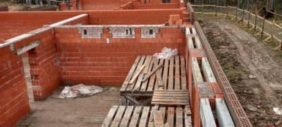 Обманутым дольщикам в Петрозаводске пообещали достроить их дома