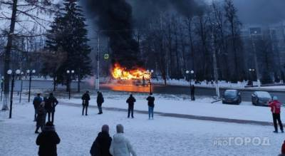 """Перевозчик о возгорании автобуса: """"Водитель пытался погасить пламя огнетушителями"""""""