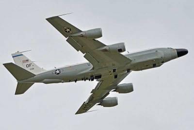 Самолет-разведчик ВВС США замечен у берегов Ливии