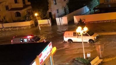 Затопления по всей стране: улицы и дома заливает водой