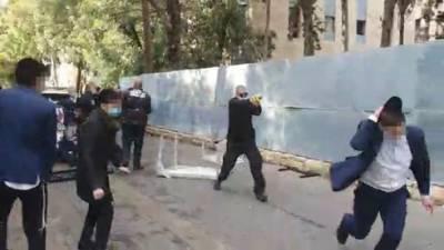 Видео: учащиеся йешивы в Иерусалиме пустились в пляс, полиция применила электрошокеры