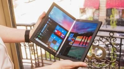 Первый в мире ноутбук с гибким экраном вышел в России по невероятно высокой цене. Видео