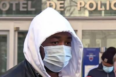 Французские копы сильно избили темнокожего продюсера, который шел по улице без маски: видео