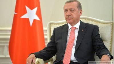 Отставки Эрдогана требуют из-за плачевной ситуации с COVID-19 в Турции