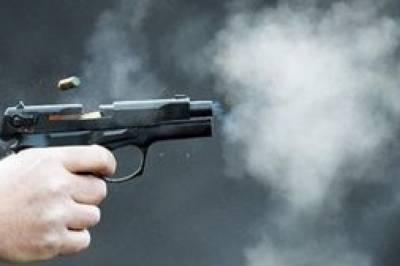 В США неизвестные начали стрельбу на веченирке: 14 человек пострадали и двое - погибли