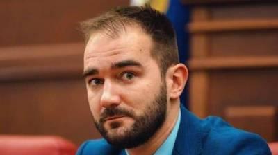 Спикер ВР заявил, что «Слуга народа» не будет защищать депутата-взяточника