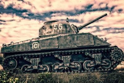 В Нижегородской области зафиксировано задымление стоящего на постаменте танка Т-34