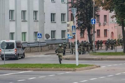 В Минске у резиденции Александра Лукашенко ОМОН выставил оцепление