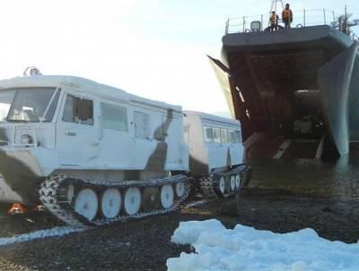 Группировка СФ высадилась в 200 км от Аляски