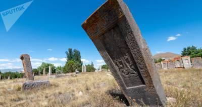 Мужчина в Армении погиб, когда пытался починить хачкар