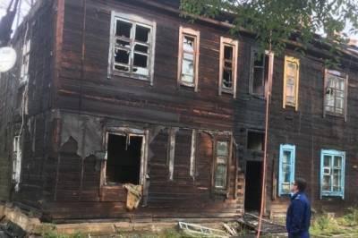В поселке Хабаровского края сгорел мужчина во время пожара в бараке