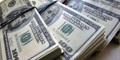 Россияне в августе сняли с валютных счетов $866 млн
