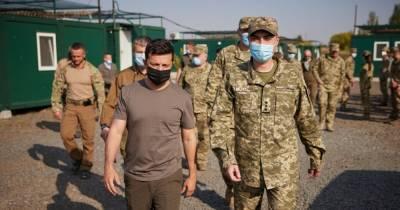 Зеленский отправился к военным на передовую и пообедал в солдатской столовой (фото)