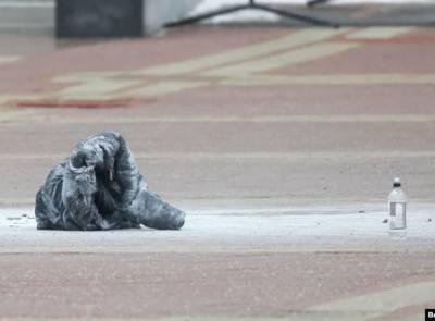 В Минске на Площади независимости мужчина совершил самоподжог - его госпитализировали