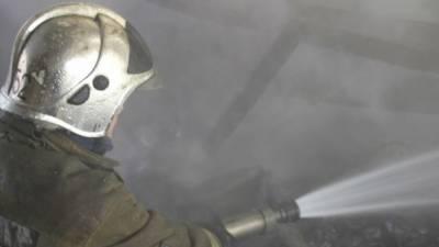 Крупный пожар потушили в магазине запчастей на Ставрополье