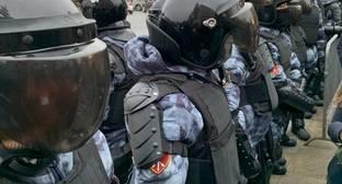 Полиция применила резиновые дубинки при задержании сторонников Навального в Москве