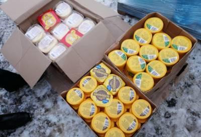 В Петербурге рынок «Южный» лишился почти 400 кг «санкционки» и более 5 тыс. пачек нелегальных сигарет