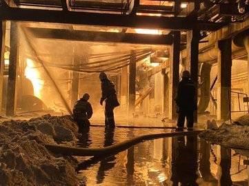 Горят ёмкости с нефтепродуктами: Известны подробности пожара на заводе «Уфаоргсинтез»