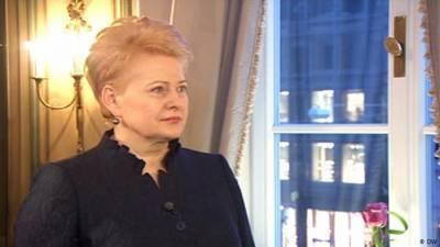 Экс-президент Грибаускайте отметила 65-летие прививкой от коронавируса