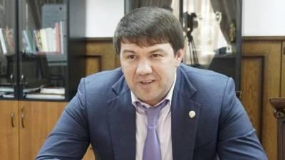 Экс-министра из Дагестана обвиняют в создании ОПГ и хищении бюджетных средств
