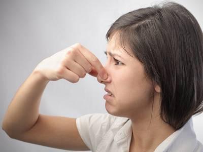 Названы опасные заболевания, которые можно определить по запаху
