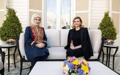 Зеленская продемонстрировала стильный образ на встрече с президентом Турции