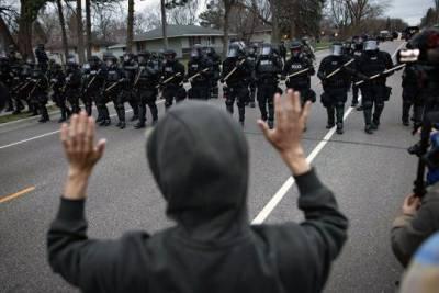 В американском штате Миннесота вспыхнули протесты после гибели афроамериканца