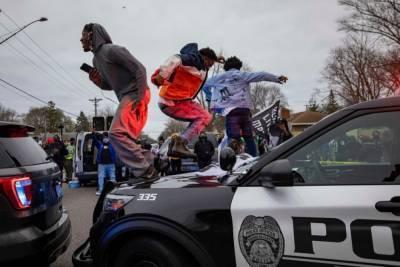 В США в Миннесоте новые протесты