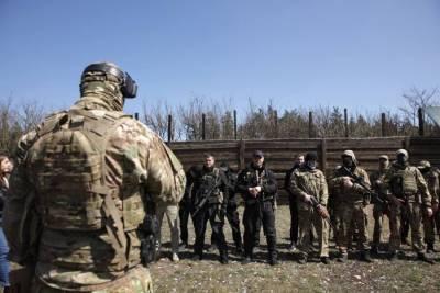 Украинские радикалы готовят бойцов к «войне с Россией»