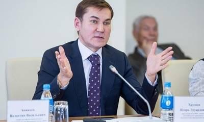 Функционера из «Единой России» исключат из партии из-за выброшенной на обочину канистры из-под моторного масла