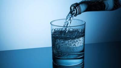 Люди оказались способны отличать тяжелую воду на вкус