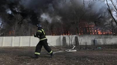 Появились подробности тушения Невской мануфактуры в Петербурге