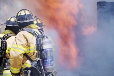 В Петербурге при тушении «Невской мануфактуры» погиб пожарный