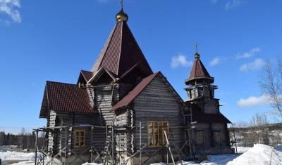 Осквернившим храм в Мурманской области девушкам назначили штраф и предупреждение