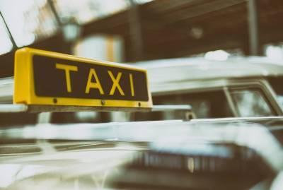 Стало известно, за что таксисты избили троих петербуржцев в Девяткино