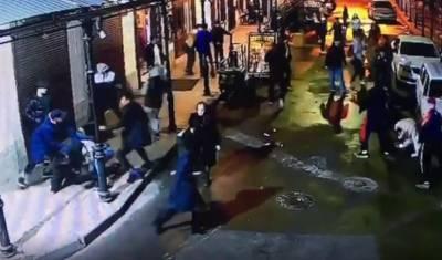 Массовая драка в Санкт-Петербурге закончилась ножевыми ранениями у четырех человек