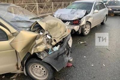 В Казани пьяный водитель легковушки устроил массовое ДТП с пострадавшими