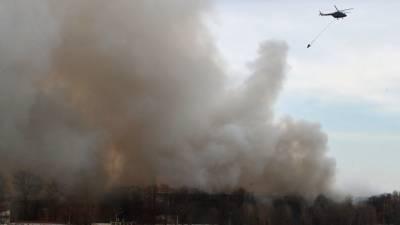Загорелась кровля соседнего с «Невской мануфактурой» здания, эвакуированы 50 человек