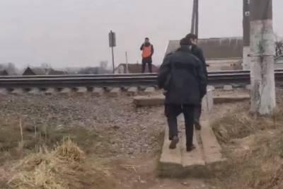 49-летнего мужчину насмерть сбил поезд в Смоленской области
