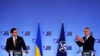 Генсек НАТО встретился в Брюсселе с главой МИД Украины